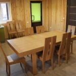 В саунах Apart Hotel «Линкер Парк» оборудована обеденная зона, которая имеет кухонный уголок. стол и стулья, фото 8