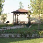 Вокруг малой мангальной зоны в Линкер Парк имеется достаточно свободного пространства для приватного отдыха