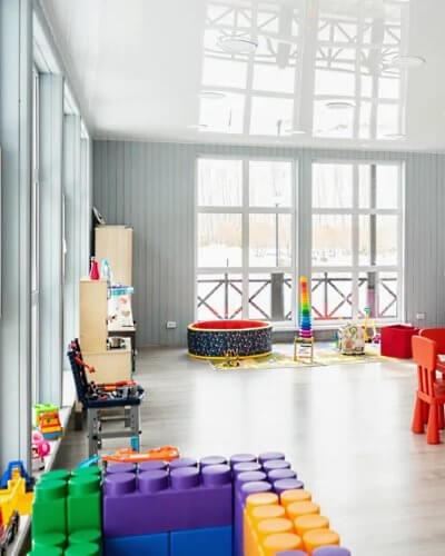 Детская комната в Apart Hotel Линкер Парк для развлечения маленьких гостей и проведения детских праздников за городом