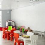 Просторная и светлая детская комната в Линкер Парк позволяет вместить для игр до 30 мальчиков и девочек