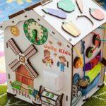 Яркие и занимательные игрушки, пол с мягким покрытием для девочек и мальчиков в детской комнате