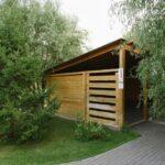 В летнее время в больших мангальных зонах Линкер Парк может расположиться на отдых компания из 20 человек