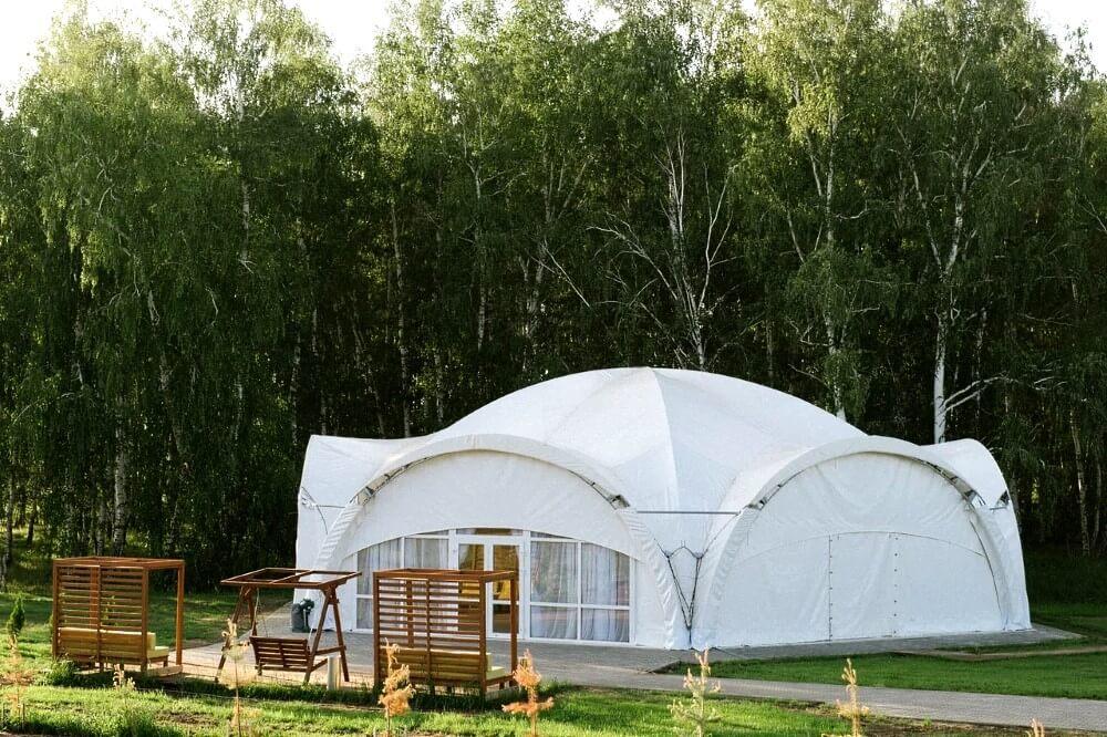 Арочный шатер для свадьбы на фоне березовой рощи на территории Apart Hotel Линкер Парк, фото 19